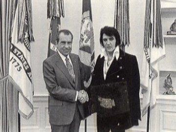ニクソン大統領とエルヴィス.jpg